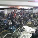 Tiefgarage extra nur für Zweiräder - leider total überfüllt.